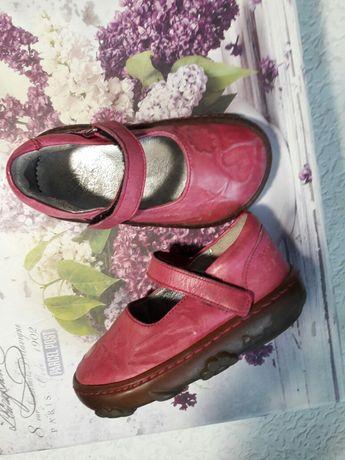 Туфли для девочки pon d'api 20р туфлі