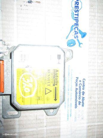 Modulo airbag 7700414216E RENAULT / LAGUNA / 1997 /