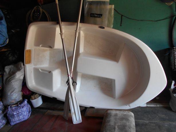 Продам пластиковую лодку. 7000 грн. Торг