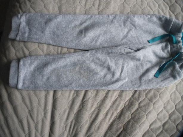 Spodnie dresowe C&A roz. 116