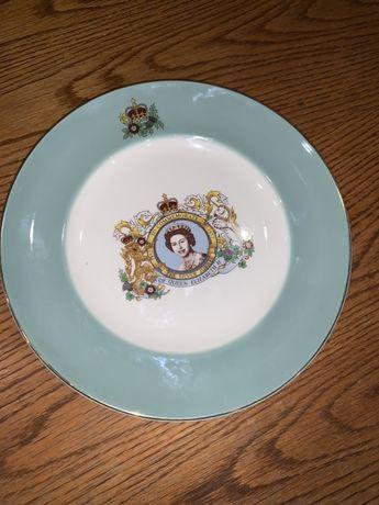 Продам коллекционную английскую тарелку. Диаметр 22 см.