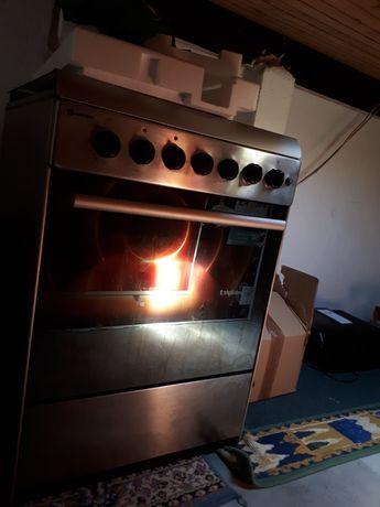Fogão com forno eletrico