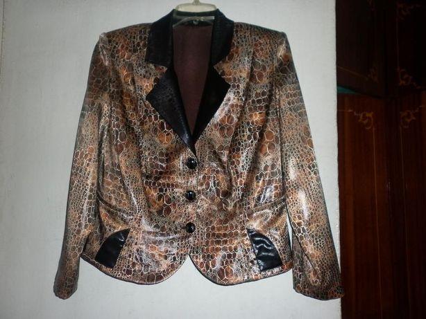 Очень красивый Женский пиджак 48-50 размер
