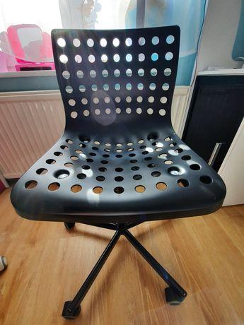 Krzesło obrotowe dla chłopca Ikea