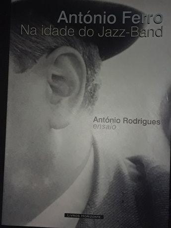 Antonio Ferro na Idade do jazz band/Lisboa em camisa