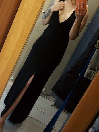 Czarna sukienka .