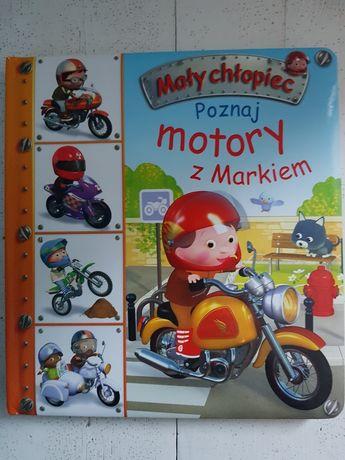 Mały chłopiec Poznaj Motory