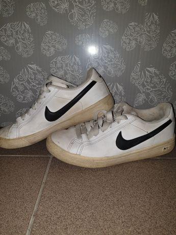 Sprzedam buty firmy Nike