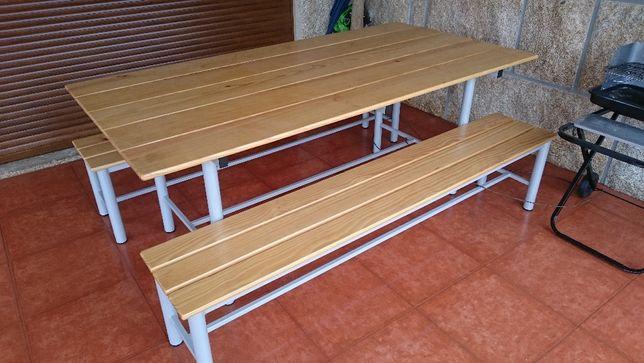 Mesa com 2 bancos em madeira, Nova