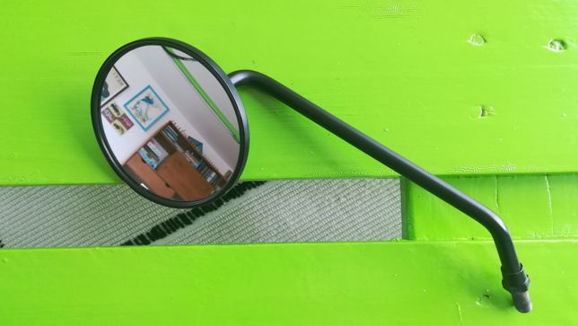 Espelho original SWM (esquerda)