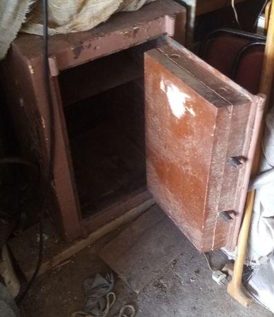 продам несгораемый сейф