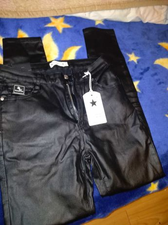 Spodnie Czarne Eko-skora Firmy DENIM LIFE Róż L/XL