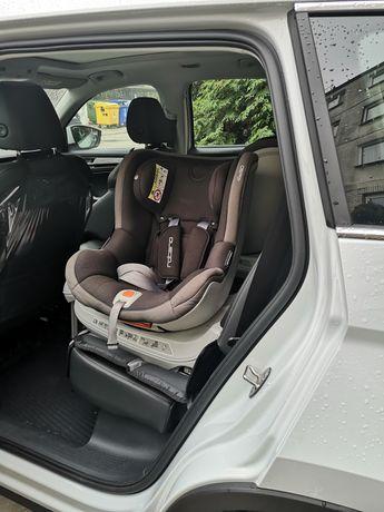 Fotelik samochodowy z bazą EASY Go Rotario