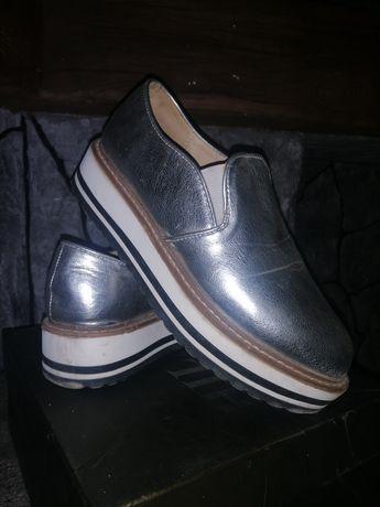 Лофери, туфлі.Макасіни
