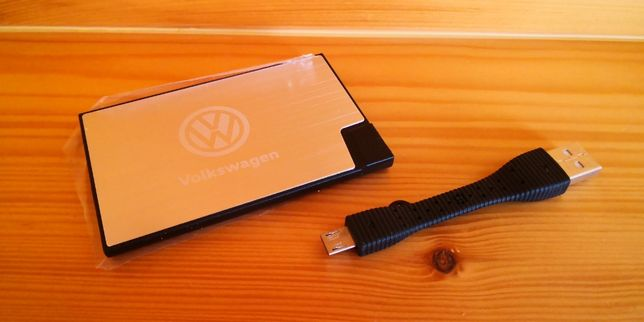 POWER BANK ( ładowarka ) VW / credit card / NOWA / org.