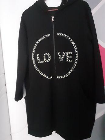 Czarna tunika z dzetami firmy Wawa.