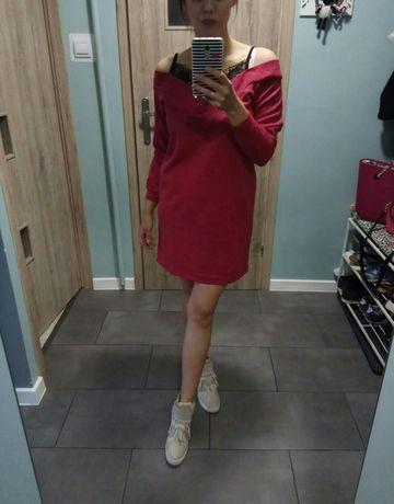 Sukienka czerwona mini koronka S/M