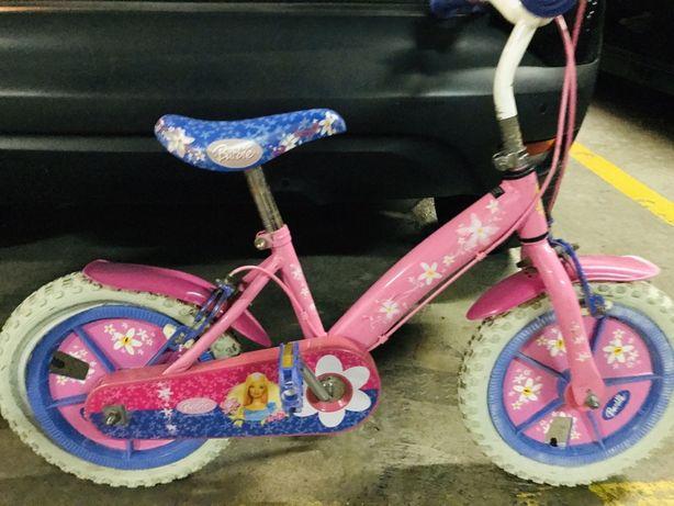 Bicicleta Barbie muito usada