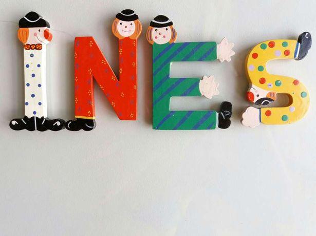 4 Letras autocolantes para quarto de criança