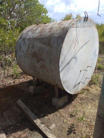Продам металлический бак для воды обьемом 3 куба б\у