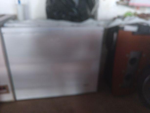 Vendo arca congeladora e aparelhagem sistema sourround