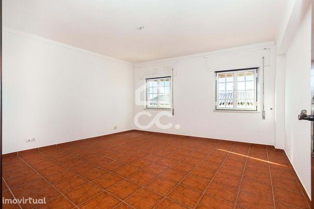 Apartamento T4 de 166 m2 com 2 Suites | Redondo