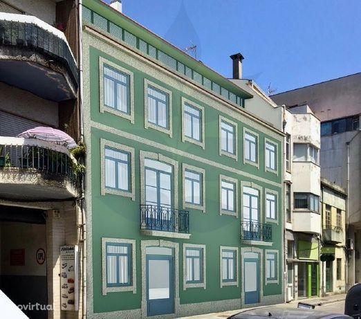 Apartamento T1+1 no Coração da cidade - S. Victor - Com Terreno