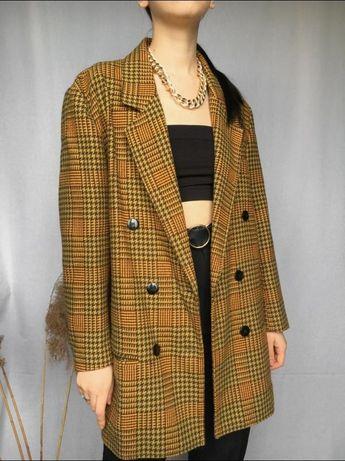 Пиджак трендовый длинный оверсайз двубортный в клетку пальто