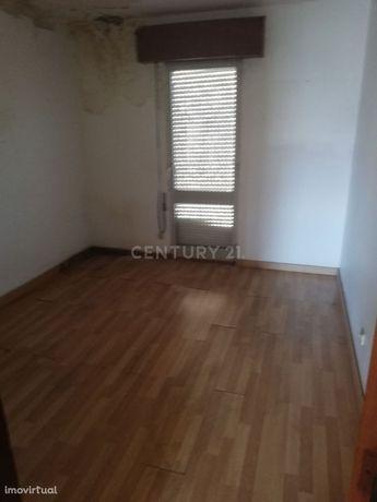 Apartamento T2 em Vialonga