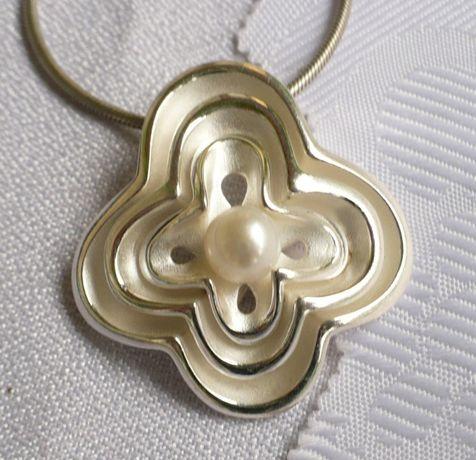zawieszka srebrna - medalion z perłą 13,2g - na prezent