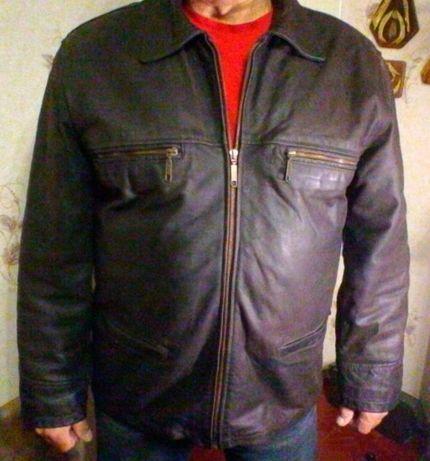Продам мужскую куртку из мокрой кожи