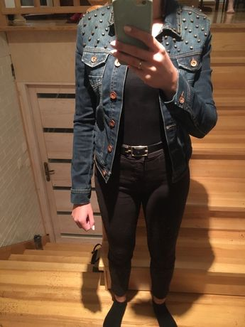 Kurtka jeansowa z ćwiekami
