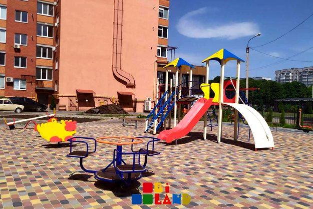 Дитячі ігрові та спортивні майданчики( качели,карусели,горки)