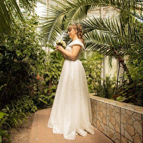 Продам весільну сукню.ціна 5500грн.