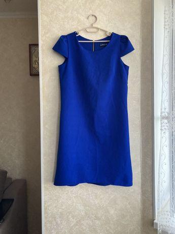 Синее платье размер M