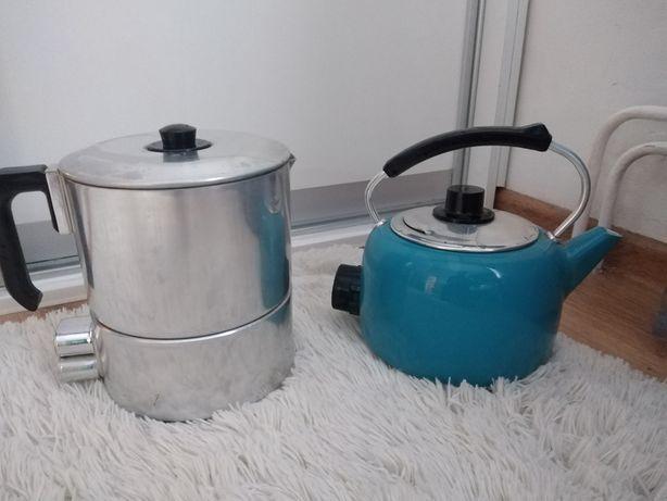 Stare czajniki elektryczne.