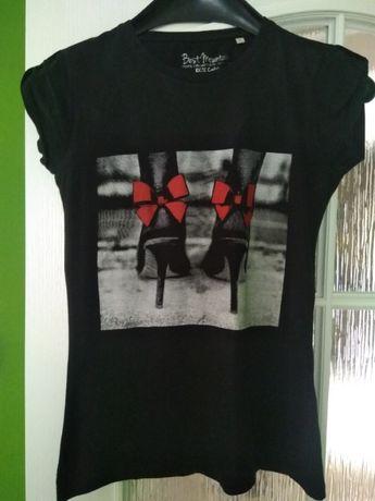 T-shirt ze szpilkami