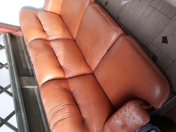 Sofa i dwa fotele drewno twarde pokryte skórą