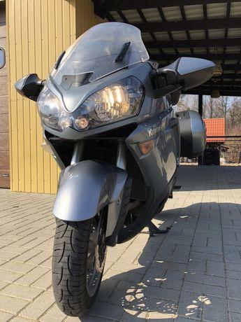 Sprzedam motor Kawasaki 1400 GTR.
