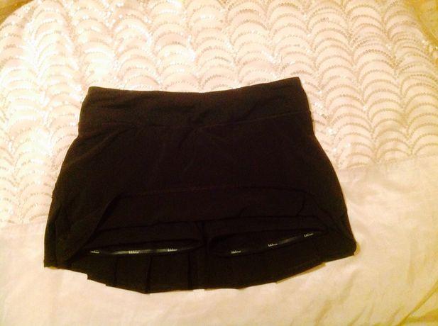 Lululemon спортивная теннисная юбка- шорты , для занятий спортом