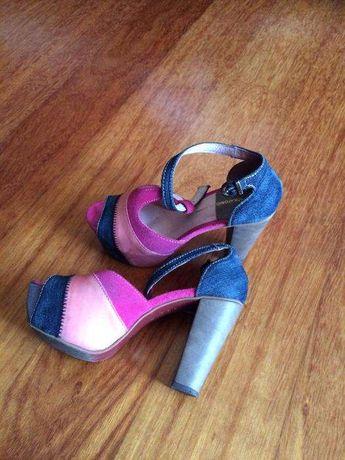 Vendo sandálias tamanho 38