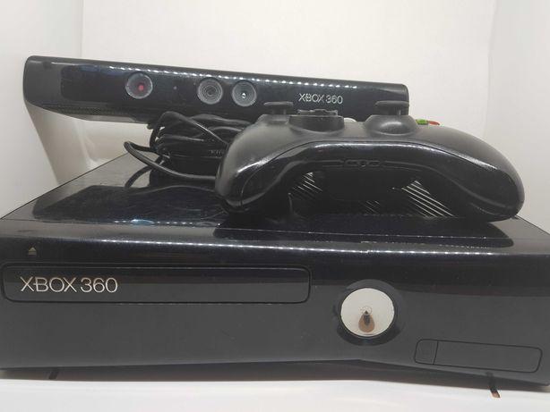 Xbox 360 slim 250GB Kinect Pad