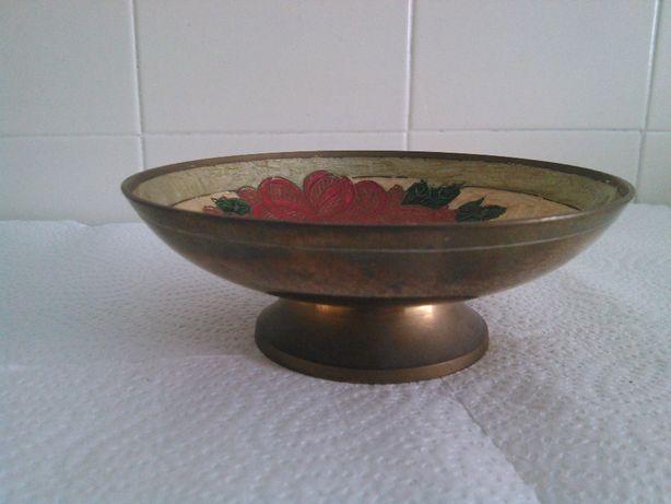 Taça para decoração, em metal