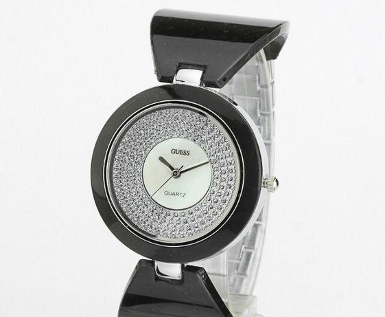 Новые женские часы Guess!
