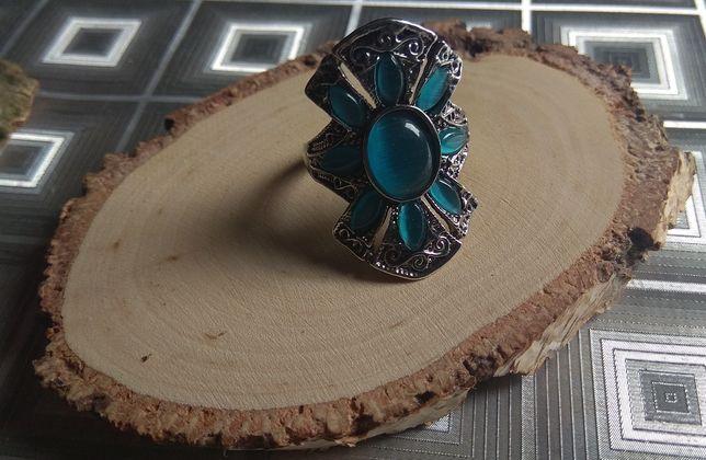 Artystyczny oryginalny duży opalizujący pierścionek rozmiar 19