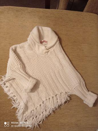 Продается свитерок на девочку 9-10 лет