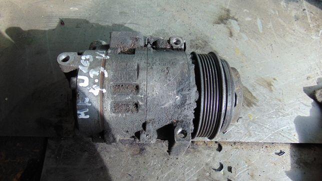 Paź//Mercedes ML W163 4.3 V8 sprezarka klimatyzacji