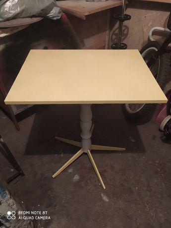 Stolik obrotowy