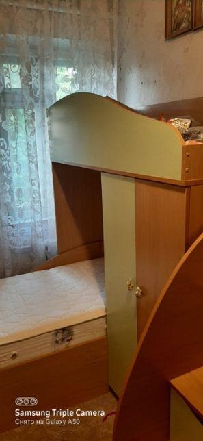 Двухъярусная детская кровать в идеальном сотоянии