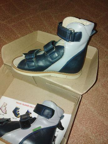 Ортопедические сандалии Вальгус